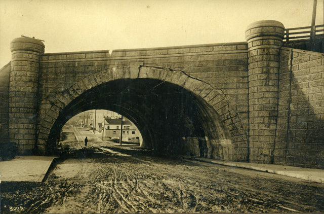 401-1916-bosworthbridgewest.jpg